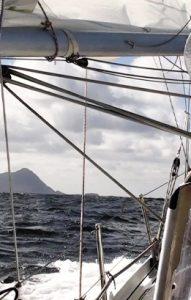 1-Navegación-en-velero-ksar-patagonia-sudamerica-tierra-del-fuego-cabo-de-hornos-argentina-ushuaia
